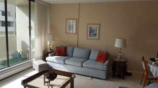 """Photo 3: 906 4300 MAYBERRY Street in Burnaby: Metrotown Condo for sale in """"Times Square"""" (Burnaby South)  : MLS®# R2164756"""