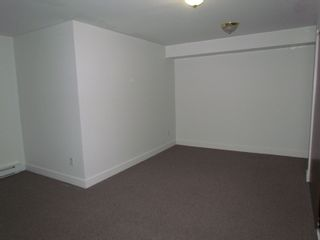 Photo 4: 2145 BROADWAY ST in ABBOTSFORD: House for rent (Abbotsford)