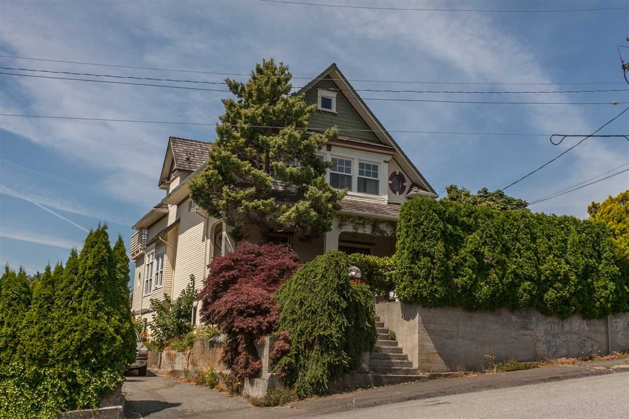 Main Photo: 7465 WELTON Street in Mission: Mission BC House for sale : MLS®# R2188673