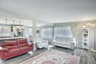 Photo 5: 6 Varslea Place NW in Calgary: Varsity Detached for sale : MLS®# A1122141
