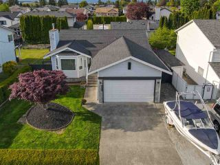 Photo 3: 18863 FORD Road in Pitt Meadows: Central Meadows House for sale : MLS®# R2579235