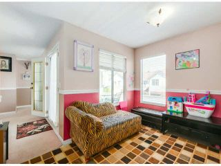 """Photo 8: 205 13725 72A Avenue in Surrey: East Newton Townhouse for sale in """"PARK PLACE ESTATES"""" : MLS®# F1418923"""
