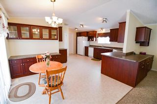 Photo 5: 33 COUNTRY CLUB Drive in Sanford: R08 Condominium for sale : MLS®# 202110396