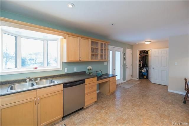 Photo 11: Photos: 16 ORIS Street in Elie: RM of Cartier Residential for sale (R10)  : MLS®# 1800701