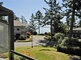 Photo 4: 2 2654 Lancelot Pl in SAANICHTON: CS Turgoose Row/Townhouse for sale (Central Saanich)  : MLS®# 615581