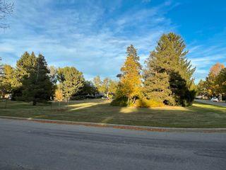 Photo 2: 8404 77 Street in Edmonton: Zone 18 House for sale : MLS®# E4264236