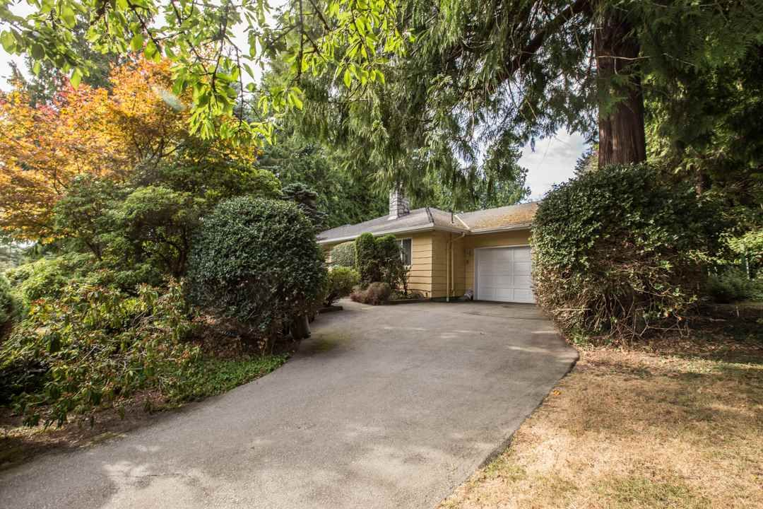 """Photo 2: Photos: 3521 W 47TH Avenue in Vancouver: Southlands House for sale in """"SOUTHLANDS"""" (Vancouver West)  : MLS®# R2005508"""