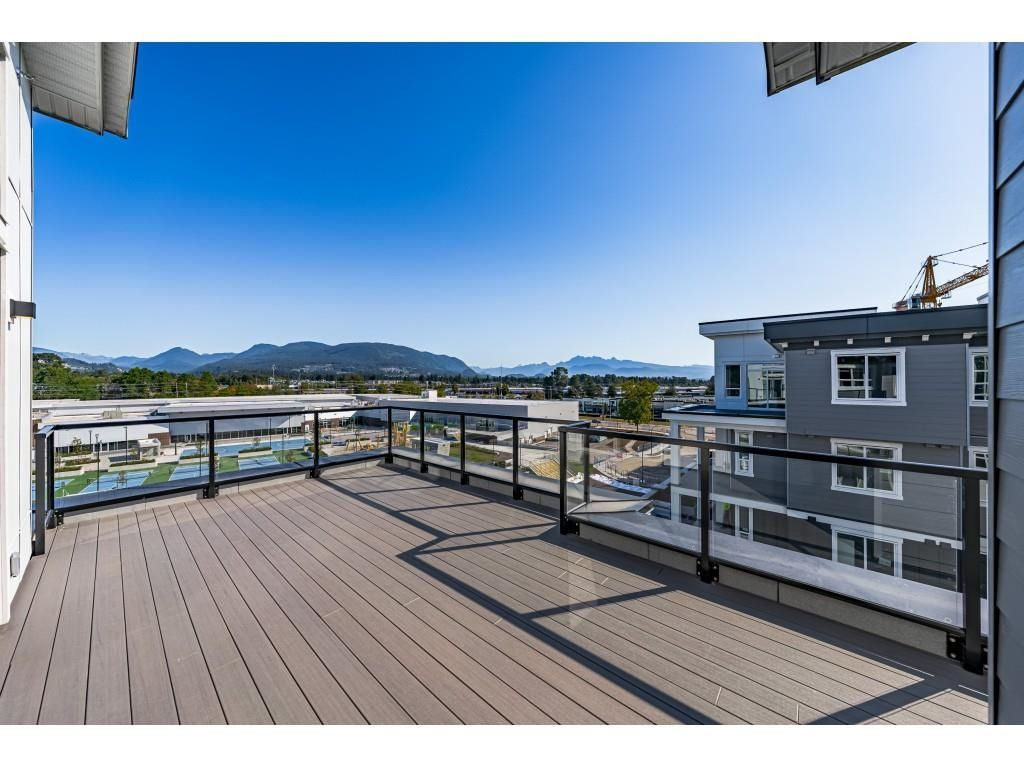 """Main Photo: 4601 2180 KELLY Avenue in Port Coquitlam: Central Pt Coquitlam Condo for sale in """"MONTROSE SQUARE"""" : MLS®# R2615640"""