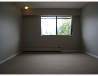 """Photo 8: 306 122 E 17TH Street in North_Vancouver: Central Lonsdale Condo for sale in """"Imperial House"""" (North Vancouver)  : MLS®# V764993"""