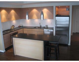 "Photo 2: 2304 1055 HOMER Street in Vancouver: Downtown VW Condo for sale in ""DOMUS"" (Vancouver West)  : MLS®# V798814"