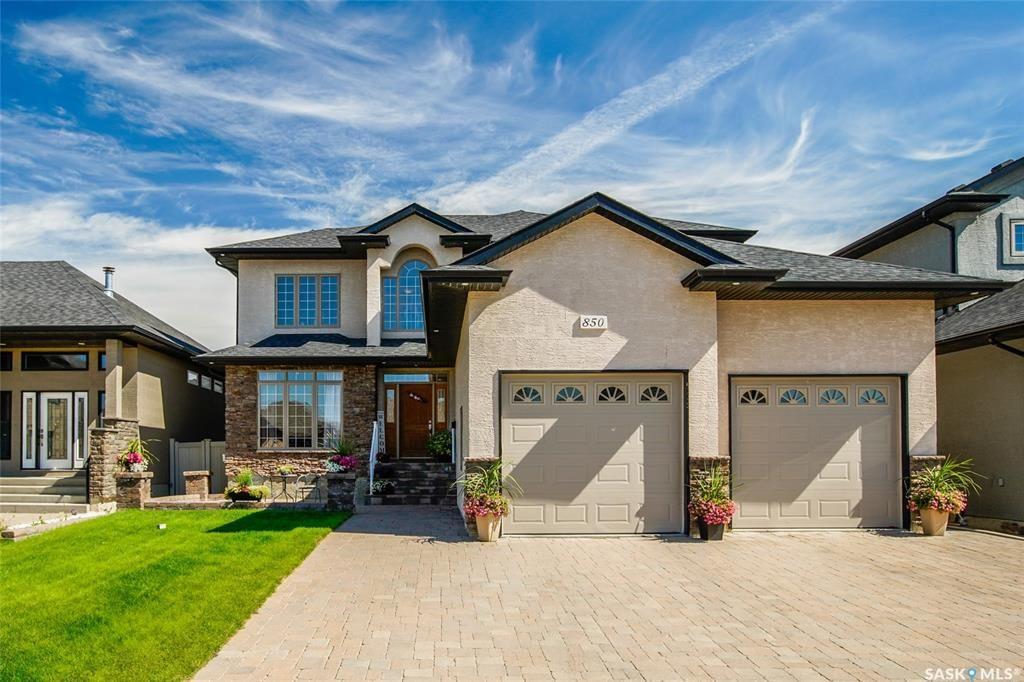 Main Photo: 850 Ledingham Crescent in Saskatoon: Rosewood Residential for sale : MLS®# SK823433