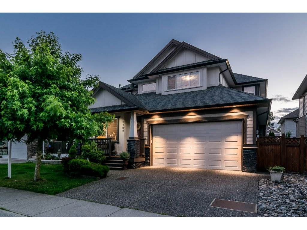 """Main Photo: 7295 196A Street in Langley: Willoughby Heights House for sale in """"WILLOUGHBY"""" : MLS®# R2179589"""