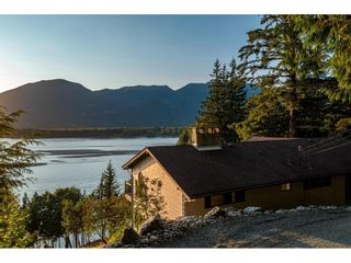 Photo 2: 43015 OLD ORCHARD Road in Chilliwack: Chilliwack Mountain House for sale : MLS®# R2607290