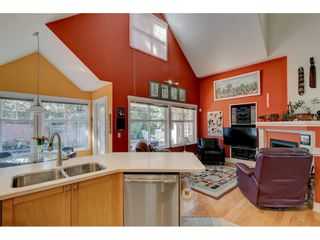 Photo 15: 101 15500 Rosemary Heights Crescent in South Surrey: Morgan Creek House for sale