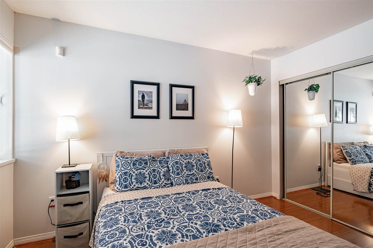 """Photo 15: Photos: 108 2677 E BROADWAY in Vancouver: Renfrew VE Condo for sale in """"BROADWAY GARDENS"""" (Vancouver East)  : MLS®# R2434845"""