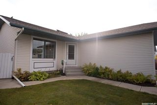 Photo 1: 119 Hall Crescent in Saskatoon: Dundonald Residential for sale : MLS®# SK846316