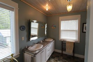 Photo 24: 7823 Squilax Anglemont Road in Anglemont: North Shuswap House for sale (Shuswap)  : MLS®# 10116503