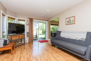 Photo 5: 588 Leaside Ave in VICTORIA: SW Glanford House for sale (Saanich West)  : MLS®# 817494