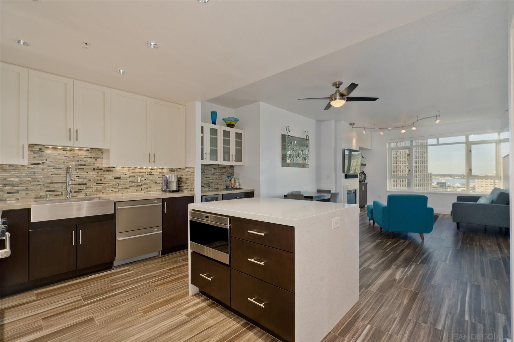 Main Photo: DOWNTOWN Condo for sale : 2 bedrooms : 700 W Harbor Dr #1106 in San Diego