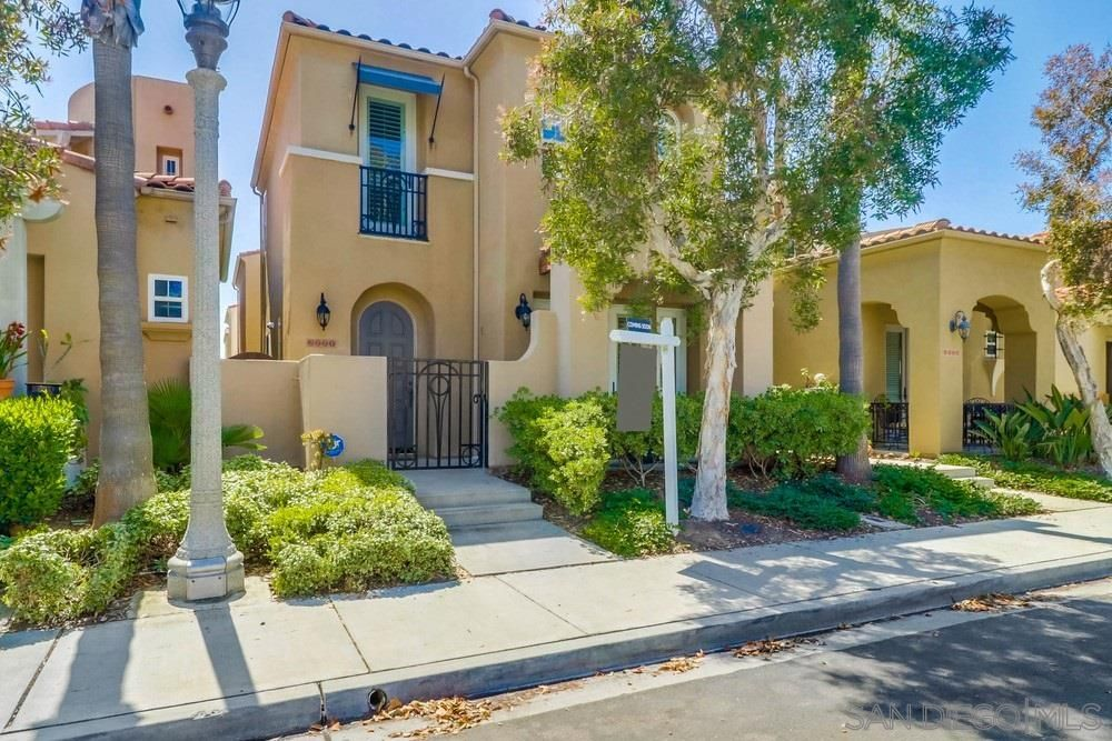 Main Photo: POINT LOMA House for sale : 4 bedrooms : 2771 E Bainbridge Rd in San Diego