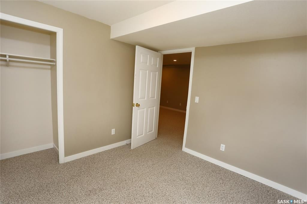 Photo 36: Photos: 131B 113th Street West in Saskatoon: Sutherland Residential for sale : MLS®# SK778904