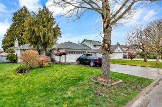 """Photo 2: 15531 91A Avenue in Surrey: Fleetwood Tynehead House for sale in """"BERKSHIRE PARK"""" : MLS®# R2552903"""