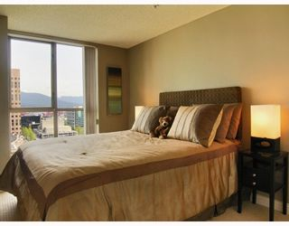 """Photo 8: 2605 867 HAMILTON Street in Vancouver: Downtown VW Condo for sale in """"JARDINE'S LOOKOUT"""" (Vancouver West)  : MLS®# V779994"""