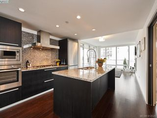 Photo 2: 501 708 Burdett Ave in VICTORIA: Vi Downtown Condo for sale (Victoria)  : MLS®# 818014
