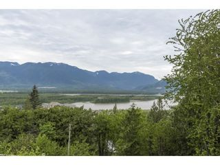 Photo 2: 8697 GRAND VIEW Drive in Chilliwack: Chilliwack Mountain House for sale : MLS®# R2577833