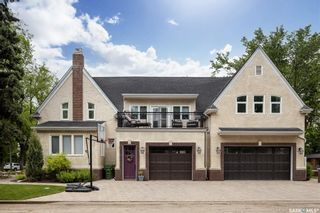 Photo 2: 902 University Drive in Saskatoon: Nutana Residential for sale : MLS®# SK873901