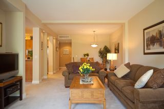 """Photo 3: 33 16655 64 Avenue in Surrey: Cloverdale BC Townhouse for sale in """"Ridgewoods Estates"""" (Cloverdale)  : MLS®# F1013342"""