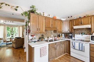 Photo 12: 147 BERWICK Way NW in Calgary: Beddington Heights Semi Detached for sale : MLS®# A1040533