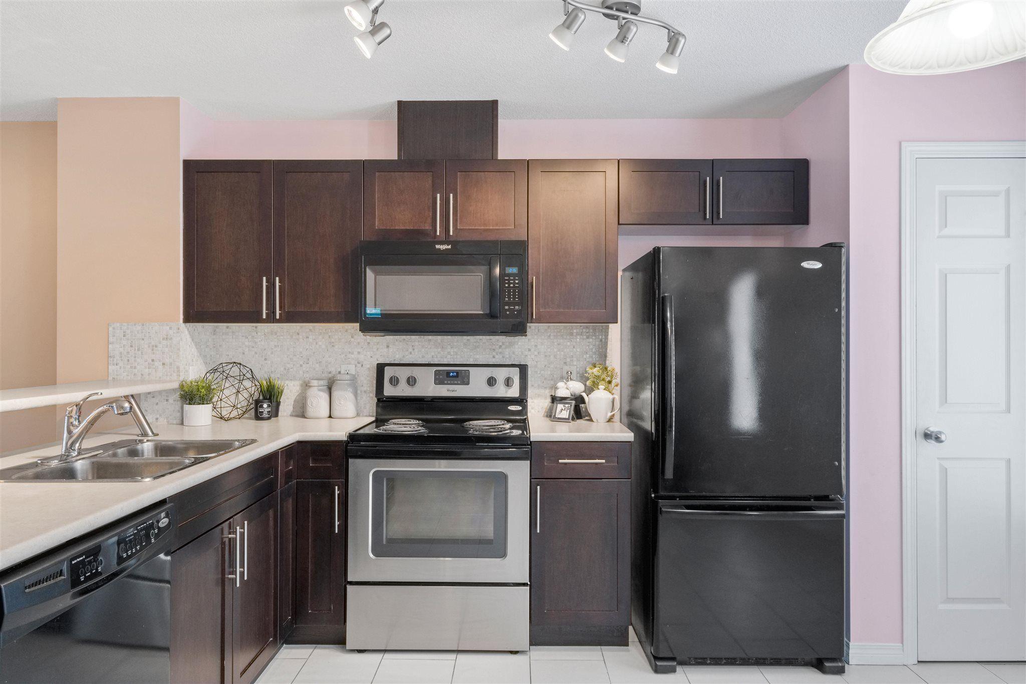 Main Photo: 4874 TERWILLEGAR Common in Edmonton: Zone 14 Townhouse for sale : MLS®# E4257615