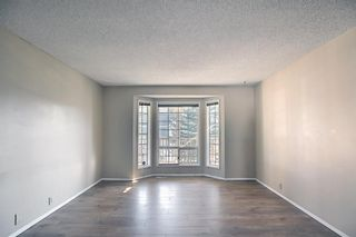 Photo 4: 8 Martinridge Way NE in Calgary: Martindale Detached for sale : MLS®# A1141248
