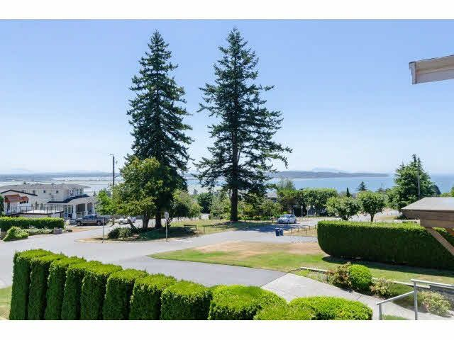 """Photo 2: Photos: 1159 BALSAM Street: White Rock House for sale in """"UPPER EAST BEACH"""" (South Surrey White Rock)  : MLS®# F1445609"""