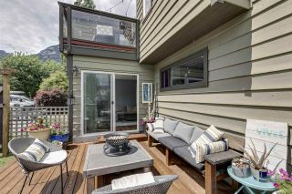 Photo 15: 1025 BROTHERS Place in Squamish: Northyards 1/2 Duplex for sale : MLS®# R2373041