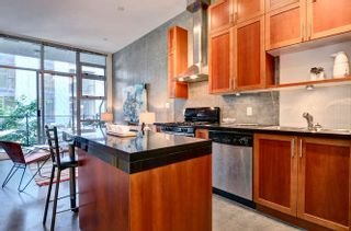 """Photo 5: 311 2635 PRINCE EDWARD Street in Vancouver: Mount Pleasant VE Condo for sale in """"SOMA LOFTS"""" (Vancouver East)  : MLS®# R2181499"""