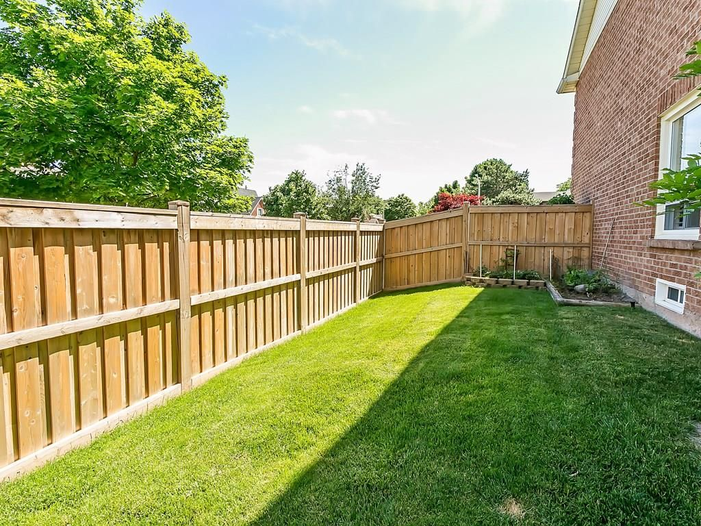 Photo 27: Photos: 2025 SUMMER WIND Drive in Burlington: Residential for sale : MLS®# H4030696