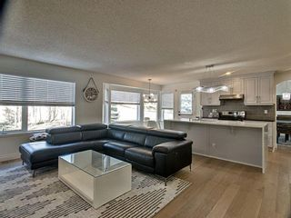 Photo 9: 12 Sienna Heights Way SW in Calgary: Signal Hill Detached for sale : MLS®# A1099178