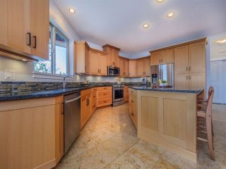 Photo 4: 5750 GENNI'S Way in Sechelt: Sechelt District House for sale (Sunshine Coast)  : MLS®# R2544525