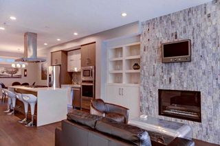 Photo 4: 604 2 Street NE in Calgary: Crescent Heights House for sale : MLS®# C4144534
