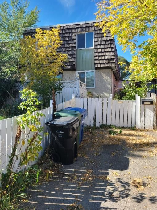 Main Photo: 7637 24A Street SE in Calgary: Ogden Semi Detached for sale : MLS®# A1148472