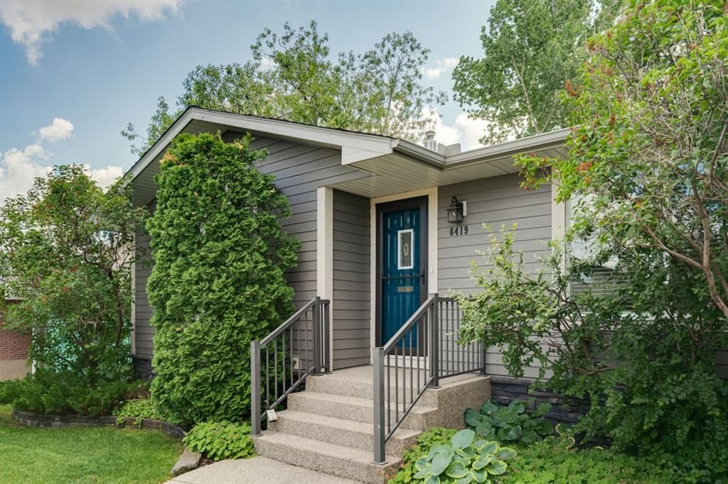 Main Photo: 6419 Travois Crescent NW in Calgary: Thorncliffe Detached for sale : MLS®# A1101203