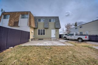 Main Photo: 36 Doverdale Mews SE in Calgary: Dover Row/Townhouse for sale : MLS®# A1093760