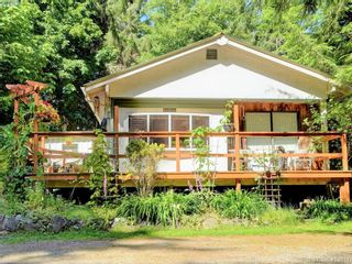 Photo 1: 1686 Whiffin Spit Rd in SOOKE: Sk Whiffin Spit House for sale (Sooke)  : MLS®# 820160