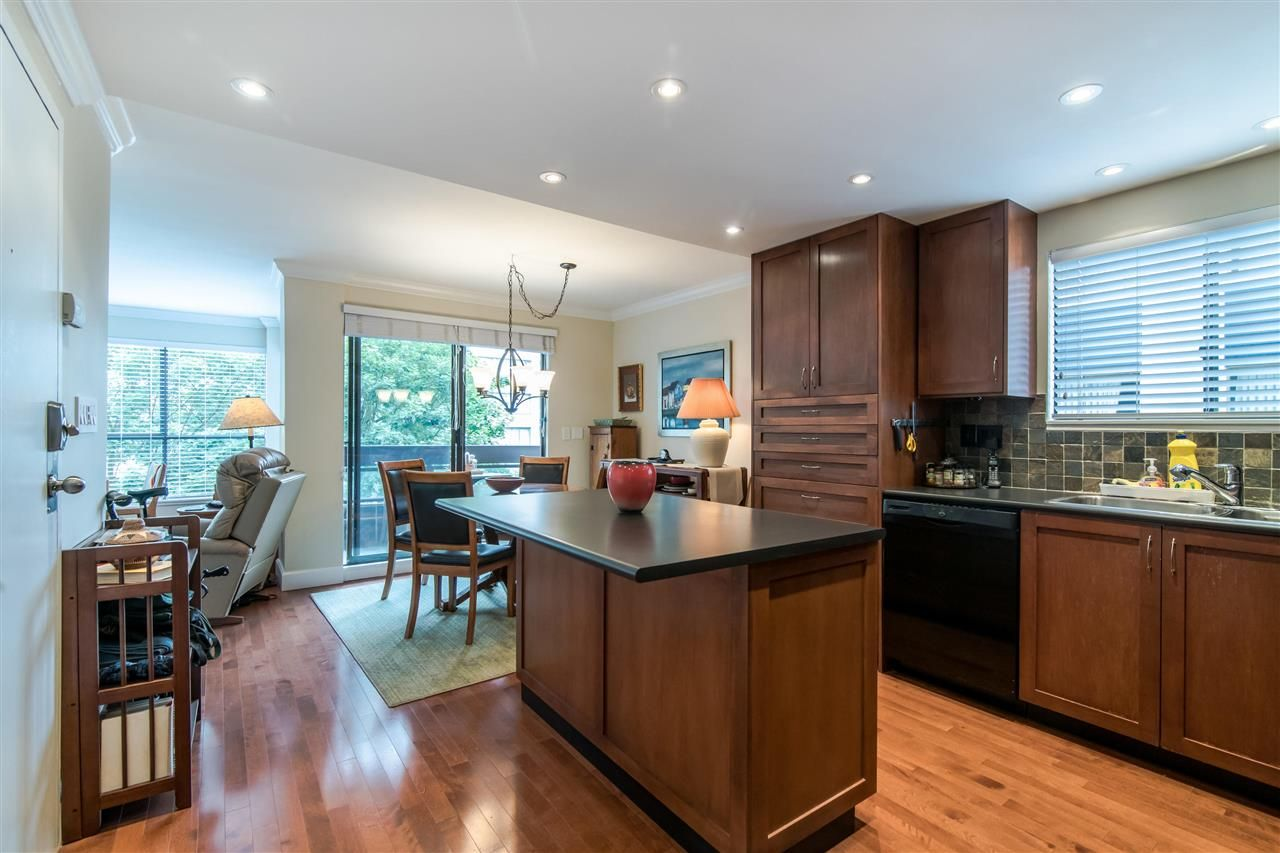 """Main Photo: 401 1165 BURNABY Street in Vancouver: West End VW Condo for sale in """"QU'APPELLE"""" (Vancouver West)  : MLS®# R2391327"""