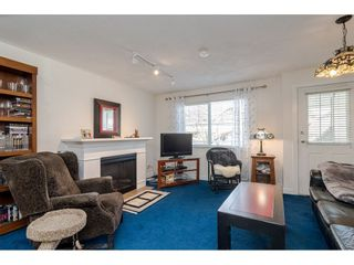 """Photo 3: 4 6555 192A Street in Surrey: Clayton Townhouse for sale in """"Carlisle at Southlands"""" (Cloverdale)  : MLS®# R2445416"""