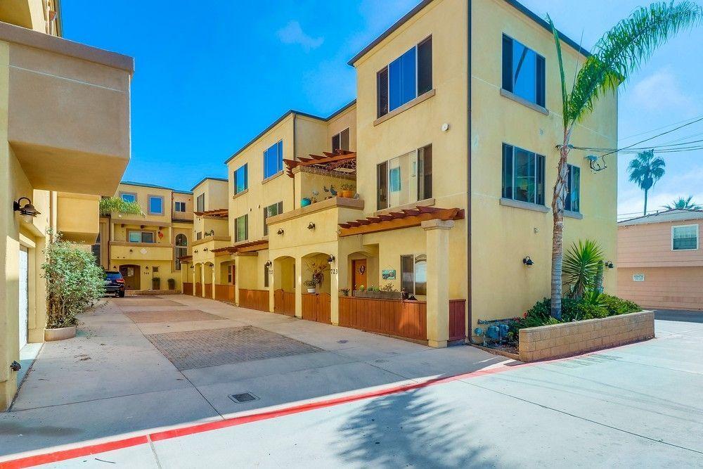 Main Photo: PACIFIC BEACH Condo for sale : 4 bedrooms : 727 Diamond St. in San Diego, CA