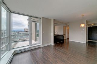 """Photo 7: 3205 2968 GLEN Drive in Coquitlam: North Coquitlam Condo for sale in """"Grand Central 2 by Intergulf"""" : MLS®# R2603826"""