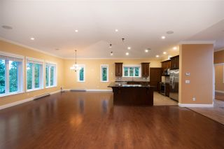 Photo 8: 1041 PROSPECT Avenue in North Vancouver: Canyon Heights NV House for sale : MLS®# R2591433